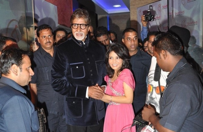 Sir AB at the opening of the Skinfiniti Bandra.